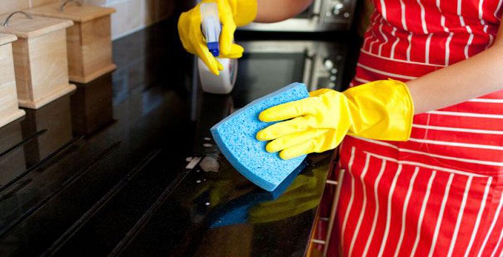 El periodo de prueba en la empleada del hogar empleadas for Contrato empleada hogar